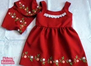 Czerwona sukienka dla dziecka z bolerkiem haftowana po łowicku przez hafciarkę Mariannę Madanowską
