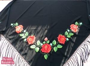 Haft ręczny jako przykład łowickiej sztuki ludowej, wzór kwiatowy wyhaftowany przez Mariannę Madanowską