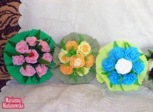 Kolorowe bukieciki róż wykonane z bibuły przez Mariannę Madanowską