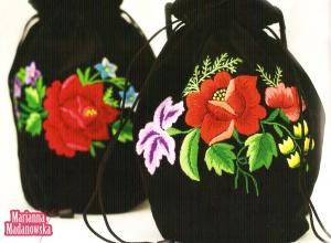 Łowickie woreczki haftowane ręcznie przez Mariannę Madanowską