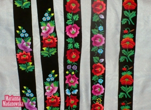 Paski damskie haftowane ręcznie w róże, maki, niezapominajki i konwalie - haft łowicki Marianny Madanowskiej