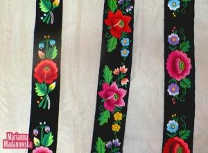 Paski z łowickim haftem ręcznym wykonane przez Mariannę Madanowską