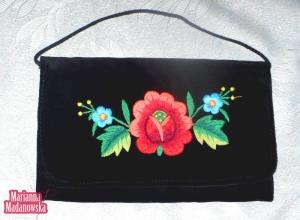 Torebka damska z ręcznie wykonanym przez Mariannę Madanowską łowickim haftem ręcznym