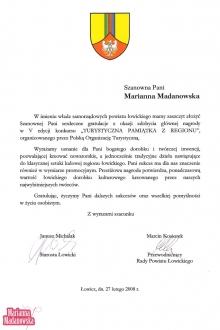 Gratulacje dla Marianny Madanowskiej od władz samorządowych powiatu łowickiego za zdobycie 1 nagrody w 5 konkursie na Turystyczną Pamiątkę z Regionu